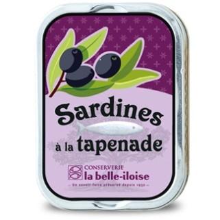 Sardinen in Olivenöl mit Tapenade